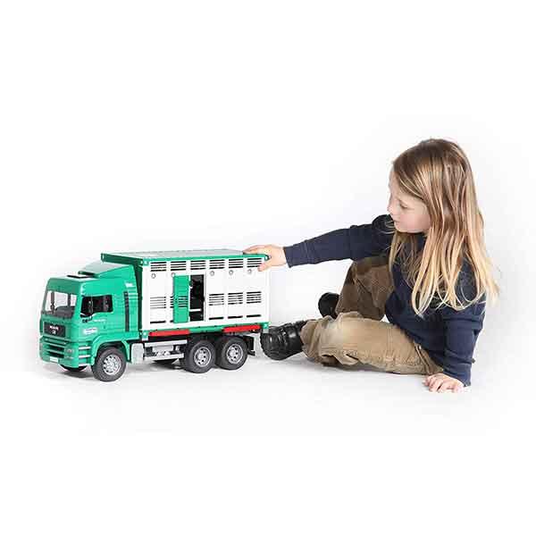 Bruder 9041 Camión de Ganado con Vaca